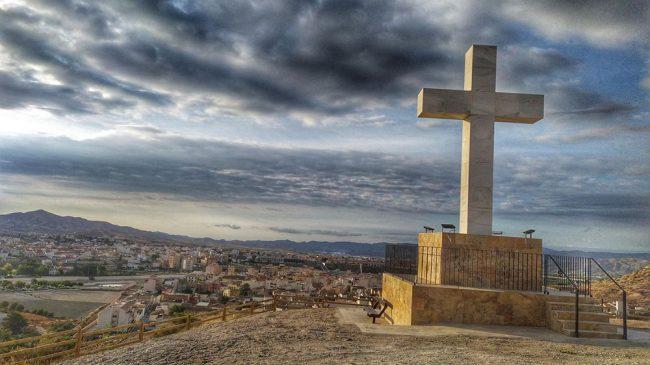 Cruz Sagrado Corazón y Mirador de San Antonio