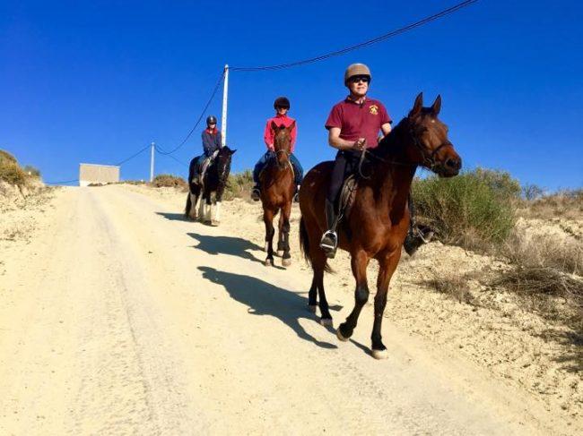 Paseos a Caballo – Rancho Húsares