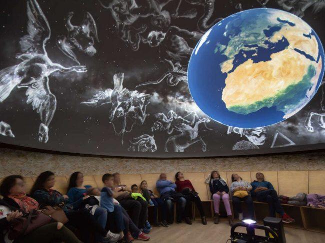 Película y Sesión de Planetario en Directo