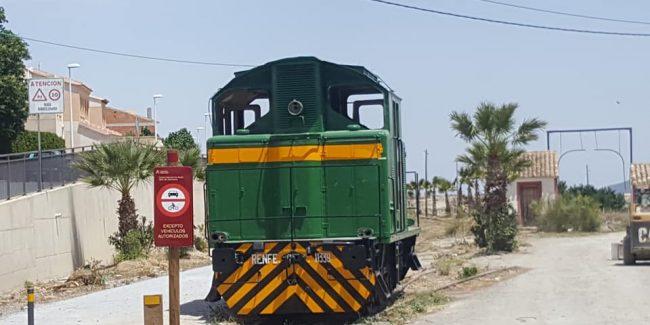 Estación del Ferrocarril de Tíjola y Locomotora